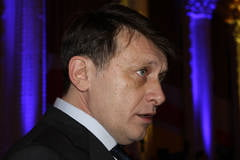 Cine il va dobori pe Crin Antonescu? (Opinii)
