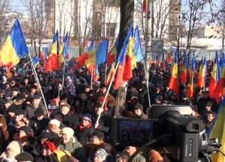 Cine protesteaza la Chisinau si ce ar insemna organizarea de alegeri anticipate? - Interviu