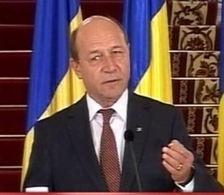 Cine sa anihileze clientela, domnule Basescu? (Opinii)