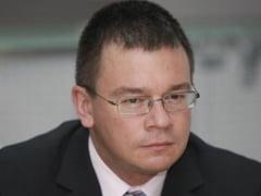 "Cine sunt ""acoperitii"" SIE? Starnesti scandalul si ocupi scena - Interviu cu Mihai Razvan Ungureanu"