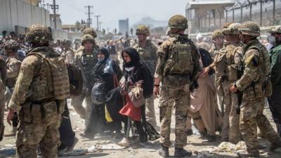Cine sunt cei opt români rămași în Afganistan și care refuză evacuarea