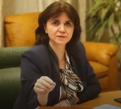 Cine vrea doctorate secretizate? Ministrul Educatiei si Autoritatea pentru Protectia Datelor se arata reciproc cu degetul - UPDATE