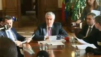 Ciobanii protesteaza: Tariceanu ii cere lui Ciolos sa modifice o lege trecuta prin Parlament