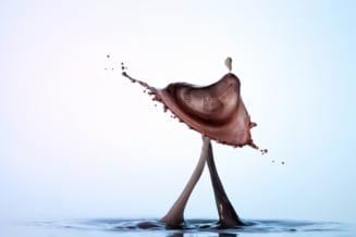 Ciocolata, pusa la regim: in loc de grasimi, suc de fructe
