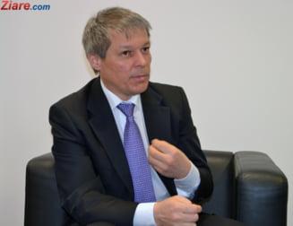 Ciolos, dupa ce liberalii au lipit afise cu poza lui prin Bucuresti: Am rugat PNL si USR sa nu-mi foloseasca imaginea