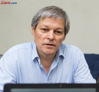 Ciolos cere PNL sa-si ia un angajament scris ca Guvernul Orban isi va asuma raspunderea in Parlament pe patru legi