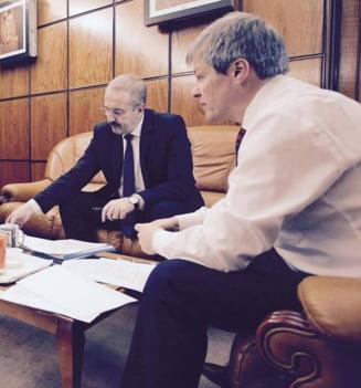 Ciolos explica de ce nu a facut reforma in administratie asa cum a promis si de ce nu l-a demis pe Dincu