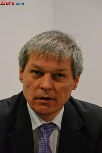"""Ciolos prezinta rezultatele voluntarilor de la Guvern: Nicio grija, domnule Dragnea. """"Postacii"""" lucreaza"""