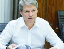 Ciolos propune un referendum privind lupta anticoruptie: CCR ia decizii in sprijinul intereselor PSD de a controla justitia