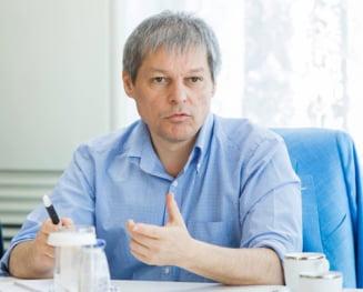 Ciolos reactioneaza dupa ce motiunea anti-Pruna a fost adoptata: Trebuie sa isi continue activitatea