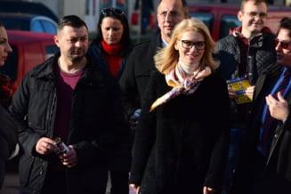 Ciolos si-a asumat guvernarea cu PNL: Cum comenteaza Alina Gorghiu