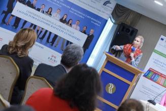 Ciorbea, pus la zid dupa ce n-a sesizat CCR pe Legea educatiei: E avocatul Guvernului Ponta