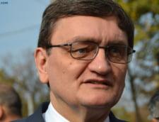 Ciorbea, somat sa sesizeze CCR: Ponta a modificat 26 de acte normative printr-o ordonanta