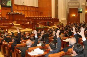 Circ in Parlament inaintea votarii motiunii de cenzura
