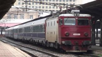 Circulatia mai multor trenuri din sud-estul tarii suspendata miercuri si joi, din cauza ninsorilor si vantului puternic