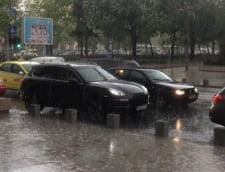 Circulatia ramane inchisa, duminica seara, pe patru sectoare de drumuri nationale din cauza inundatiilor