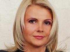 Claudia Boghicevici, singura femeie din Guvernul Ungureanu, la Ministerul Muncii