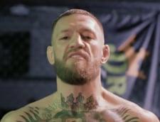 Clipe dramatice cu Conor McGregor. Super-luptatorul a parasit ringul pe targa si a ajuns la spital VIDEO