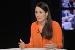 """Clotilde Armand i-a lasat pe angajatii unei directii a primariei fara spor de antena: """"Am aflat uluita ca toti beneficiau inca din 2016 de 15% in plus la salariu"""""""