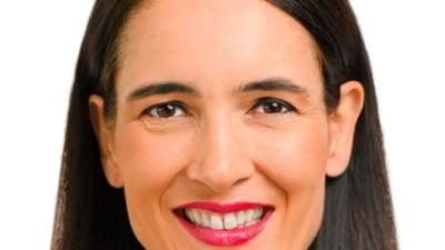 Clotilde Armand propune burse pentru elevii cu rezultate bune. Proiectul va fi dezbatut in urmatoarea sedinta de Consiliu Local