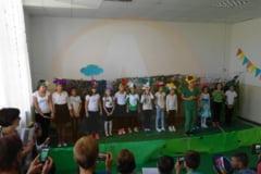 Clubul de vacanta, din comuna Crivat, i-a readus pe elevi, cu bucurie, la scoala