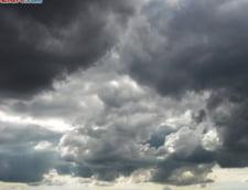 Cluj: 120 de locuinte inundate si zeci de hectare de culturi agricole sub ape