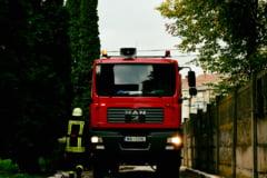 Cluj: Locomotiva unui tren de persoane a luat foc