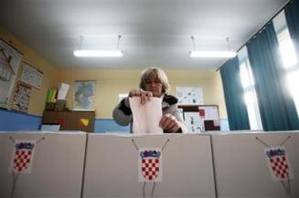 Coalitia Kukuriku a castigat alegerile in Croatia, surpriza in Slovenia