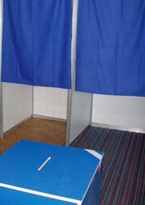 Coalitia a decis: Vom avea alegeri comasate si mai putini parlamentari