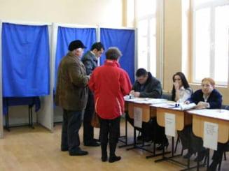 Coalitia a decis comasarea alegerilor