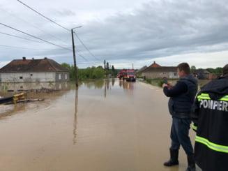 Cod galben de inundaţii în judeţe din Transilvania şi Moldova