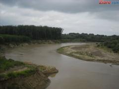 Cod galben de inundatii in Arges si Dambovita (Video)