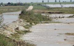 Cod galben de inundatii in judetul Olt. Vremea se incalzeste abia de luni