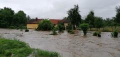Cod galben de inundatii pe rauri din 26 de judete pana duminica dimineata