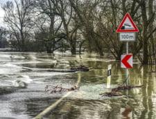 Cod galben de inundatii pe rauri din cinci judete