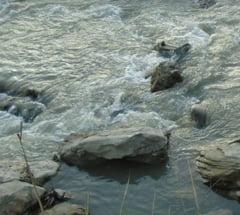 Cod galben de inundatii pe rauri din judetele Tulcea si Constanta, in urmatoarele ore