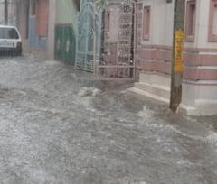 Cod galben de inundatii pe rauri din sase judete
