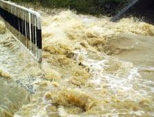 Cod galben de inundatii pe rauri din trei judete - Update