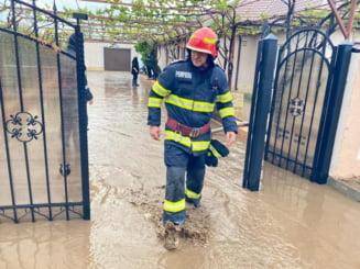 Cod portocaliu de inundatii in mai multe judete din tara. Autoritatile sunt in alerta