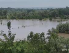 Cod portocaliu de inundatii pe raul Prut, pana joi noaptea