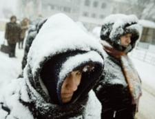Cod portocaliu de ninsoare: Scolile din Bucuresti, inchise marti