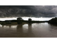 Cod portocaliu de viituri / Inundatiile fac prapad in Moldova
