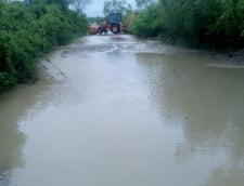 Cod rosu de inundatii in Bistrita Nasaud. Oamenii au fost avertizati prin Ro Alert