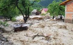 Cod rosu de inundatii in Mehedinti. Inca doua judete din zona de sud a Romaniei sunt vizate