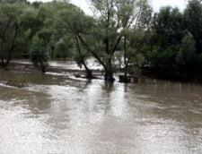 Cod rosu de inundatii prelungit in Teleorman. Vezi raurile afectate