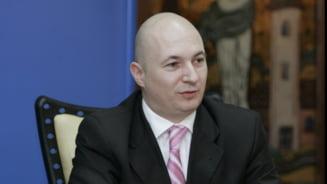 Codrin Stefanescu, scos din sala de judecata la procesul lui Nastase: Domnule chel, iesiti afara!