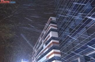 Codul galben de viscol a fost prelungit in 3 judete. In Bucuresti va ninge slab