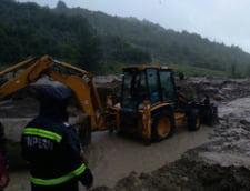 Codul portocaliu de inundatii, prelungit pana luni la ora 16.00. Bilant: Patru morti, sute de sinistrati, mii de gospodarii distruse. (Galerie foto&Video) UPDATE