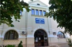 Colecta de jucarii si rechizite la Biblioteca Judeteana