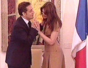 Colectia de stilouri a lui Sarkozy creste